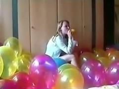 SEXY GIRL BALLOON POPPING part 1