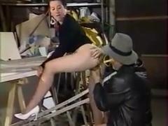 Les Lolos De La Garagiste (FULL PORN CLASSIC)