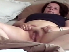 Overweight older wife screwed missionary and jizzed on love button