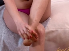 Horny pornstar Skye Daniels in Crazy MILF, Masturbation adult video