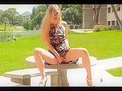 Chick masturbates in a hot solo porn video