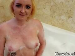 Blonde amateur anal fucked after bathe