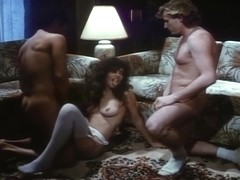 Kelly Richards double penetrated in threeway