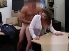 Busty pawn shop skank plowed on desk