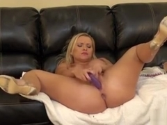 Blonde Bombshell Katja Kassin Spreads Wide To Toy Her Twat On Cam