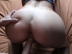 Fucking and creaming my girlfriend on camera