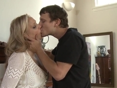 Julia Ann needs young and fresh cock to get some inspiration