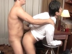 Wonderful young girl Alaina Fox demonstrates her beautiful pussy