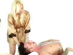 Massage-Parlor: Hangover