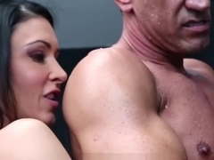 MILF Jessica Jaymes gets fucked