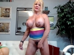 Mature Labia big clit muscle mama part.1