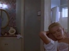 Teri Hatcher,Charlize Theron in 2 Days In The Valley (1996)
