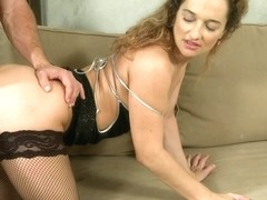 Momxxx video: horny housewife