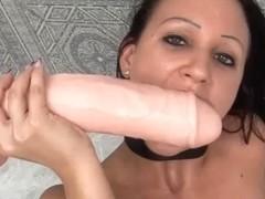 Suzy in PornXN video:Huge Insertion