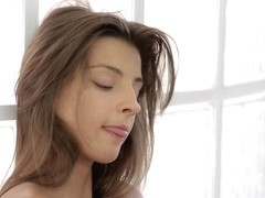 21Naturals Video: Charming