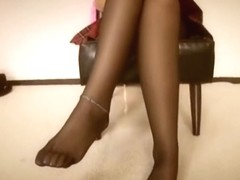 Sungoi Is A Black School Girls Black Footjob Leg Strike.