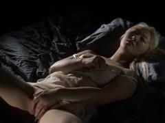 Girl masturbating -Laura N-