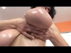 Solo MILF slut giving a hot masturbation sexy show