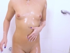 RealAgent Jessicas Orgasm In A Bathtub