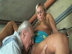 Hand Worker Gets A Teen Pussy