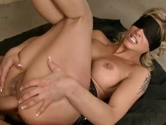Blindfolded Klarisa Leone is having a double penetration from two dudes
