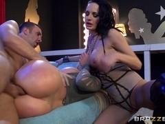 Pornstars Like it Big: Hang Low. Alektra Blue, Nikki Benz, Keiran Lee