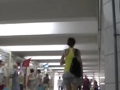 Upskirt filmed in subway