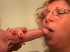 amateur cum brushing and swallowing