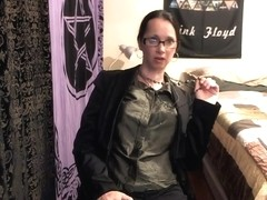Aged Wiccan Roleplays as Sex Therapist and Copulates Her Holes