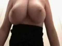 babe pyrypypy flashing boobs on live webcam