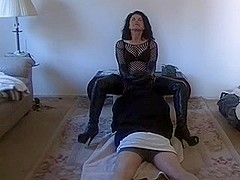 Dom wife makes him worship her cunt