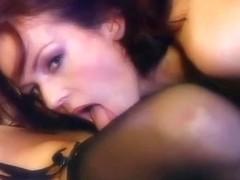 Kate & Silvia fuck in darksome stocking