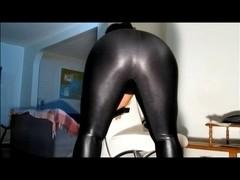 bulky in shiny leggings & hose