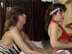 Very pretty babes in vintage hairy porn