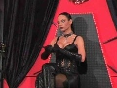 Female-Dom gives a villein a hawt session