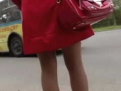 Large upskirt a-hole up red coat
