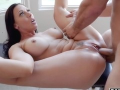 Horny Housewife Rachel Starr Gets Fucked By Her Golf Instructor