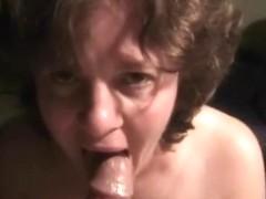 Freshly divorced 45yo mommy gives 25yo landscaper hawt orall-service