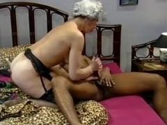Granny gets a big black dick in her fanni