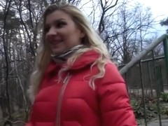 I get a facial in the woods in blonde amateur sex clip