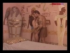 Retro porn with a hot Italian babe worshiping a big rod