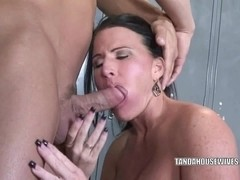 Mature slut Kendra Secrets is getting her pussy fucked
