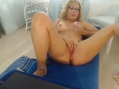 Lonely slutty cougar with excellent body and nice tits