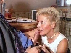 Horny, mom wanna anal with young guy.