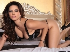 Sunny Leone in Tight Top And Tiny Thong Video