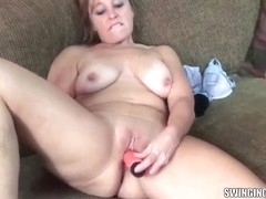 Curvy mother I'd like to fuck Liisa is fucking her pussy