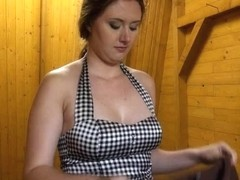 Eurobabe flashes her large meatballs and screwed in the bus stop