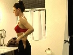 Pornstar India Summer is going to take my orders