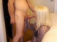 Horny slut loves having Hotel Fun