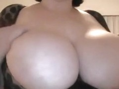 She plays with those bubble melons in the chat with sluts online
